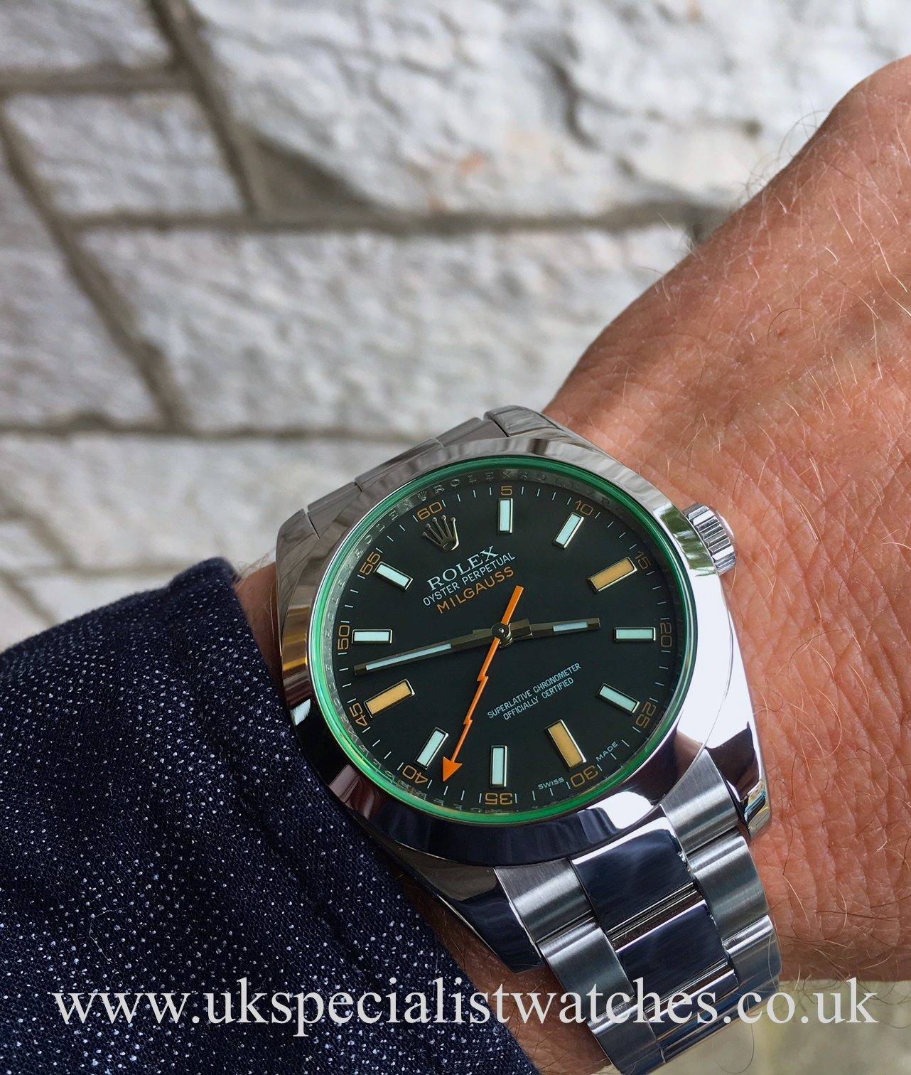 Rolex milgauss green sapphire crystal glass 40mm 116400gv uk specialist watches for Rolex milgauss