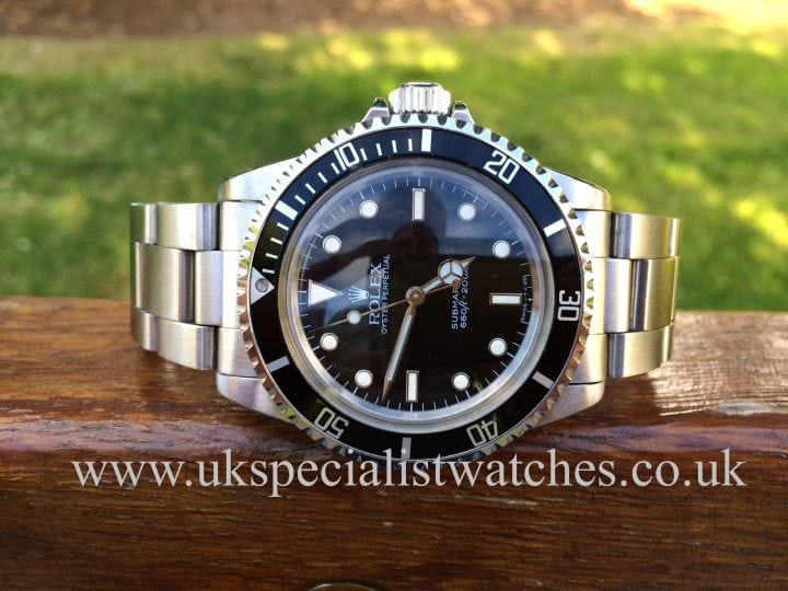 This immaculate Vintage submariner made by Rolex with this unique Domed plexi glass