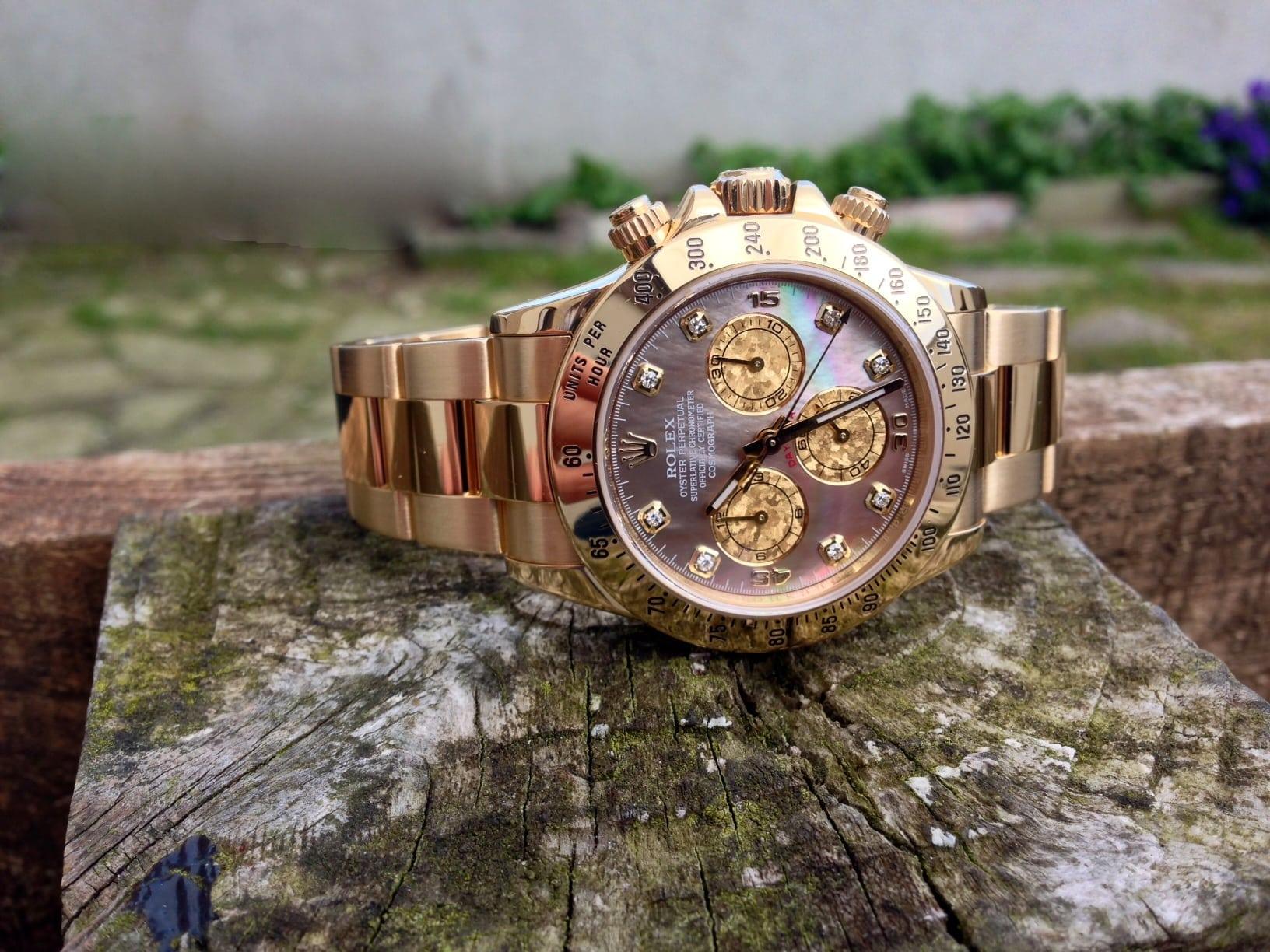 Rolex Daytona Gents 18ct. mop. Gold Crystal dial.Ref 116528