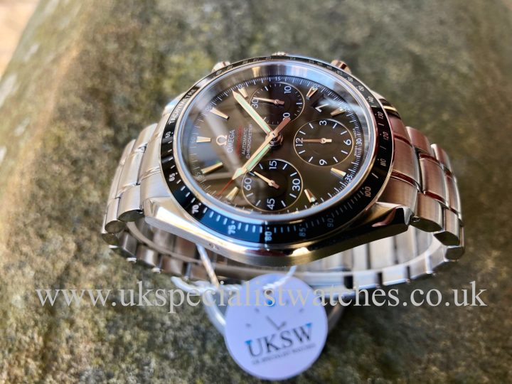 UK Specialist Watches have a Omega Speedmaster Chronograph - Steel - 32330404006001