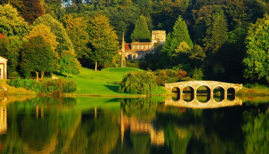 wiltshire countryside-lake-bridge