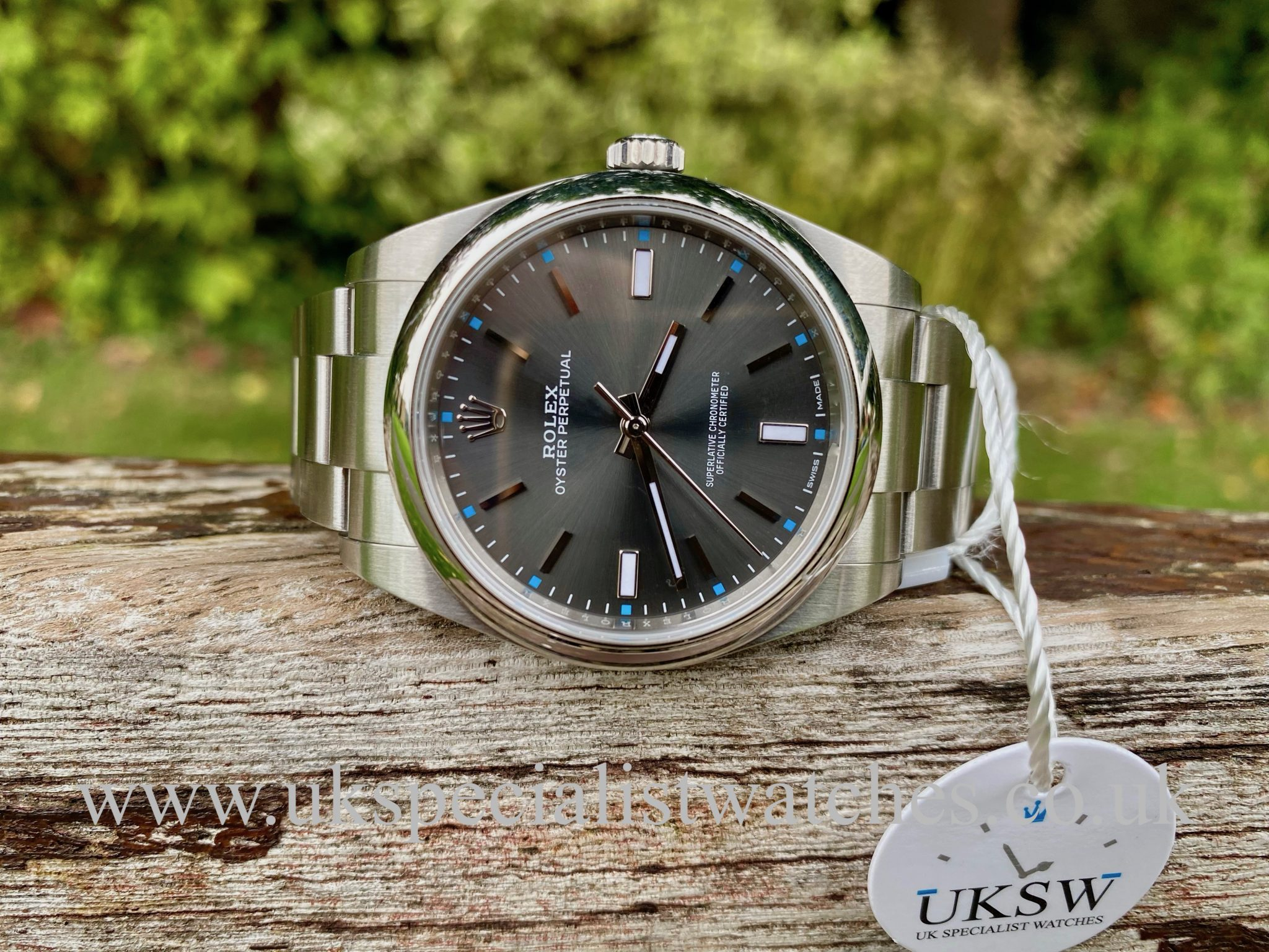 ROLEX OYSTER PERPETUAL - 39MM - RHODIUM DIAL - STEEL - 114300